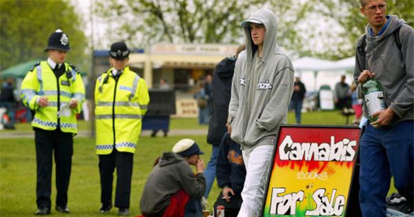 Légalisation du cannabis au Royaume-Uni