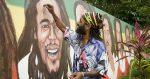 La Jamaïque réfléchit à légaliser la ganja et se débarrasser de la Reine