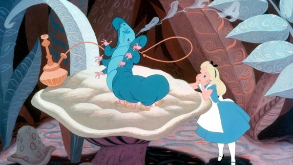 Chenille stoner dans Alice aux pays des merveilles
