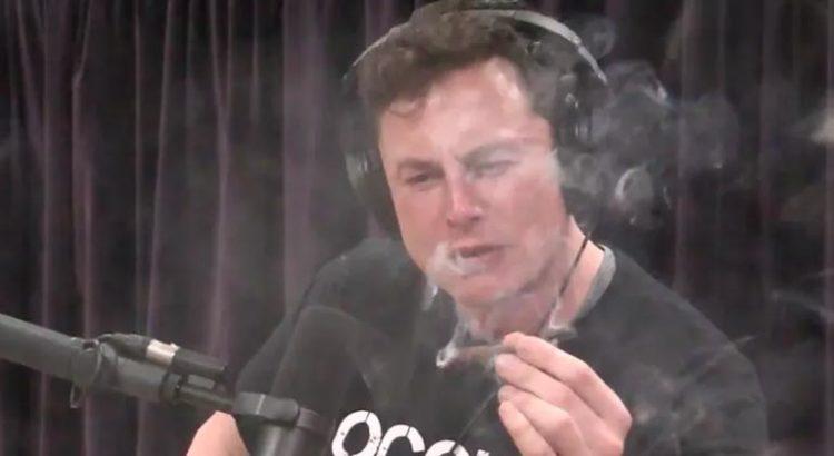 Elon Musk fume de la weed