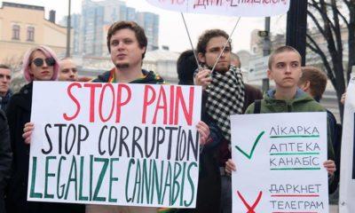 Manifestation pour le cannabis médical en Ukraine