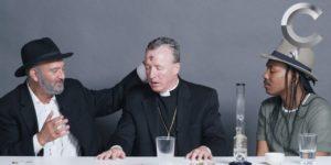 Un rabbin, un prêtre et un athée fument de la weed ensemble