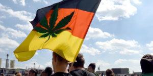 Allemagne : Angela Merkel pourrait légaliser le cannabis sous la pression de sa future coalition