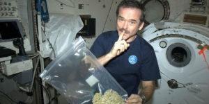 Peut-on fumer de la weed dans l'espace ?