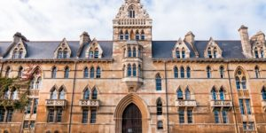 Oxford lance un programme de recherche sur le cannabis